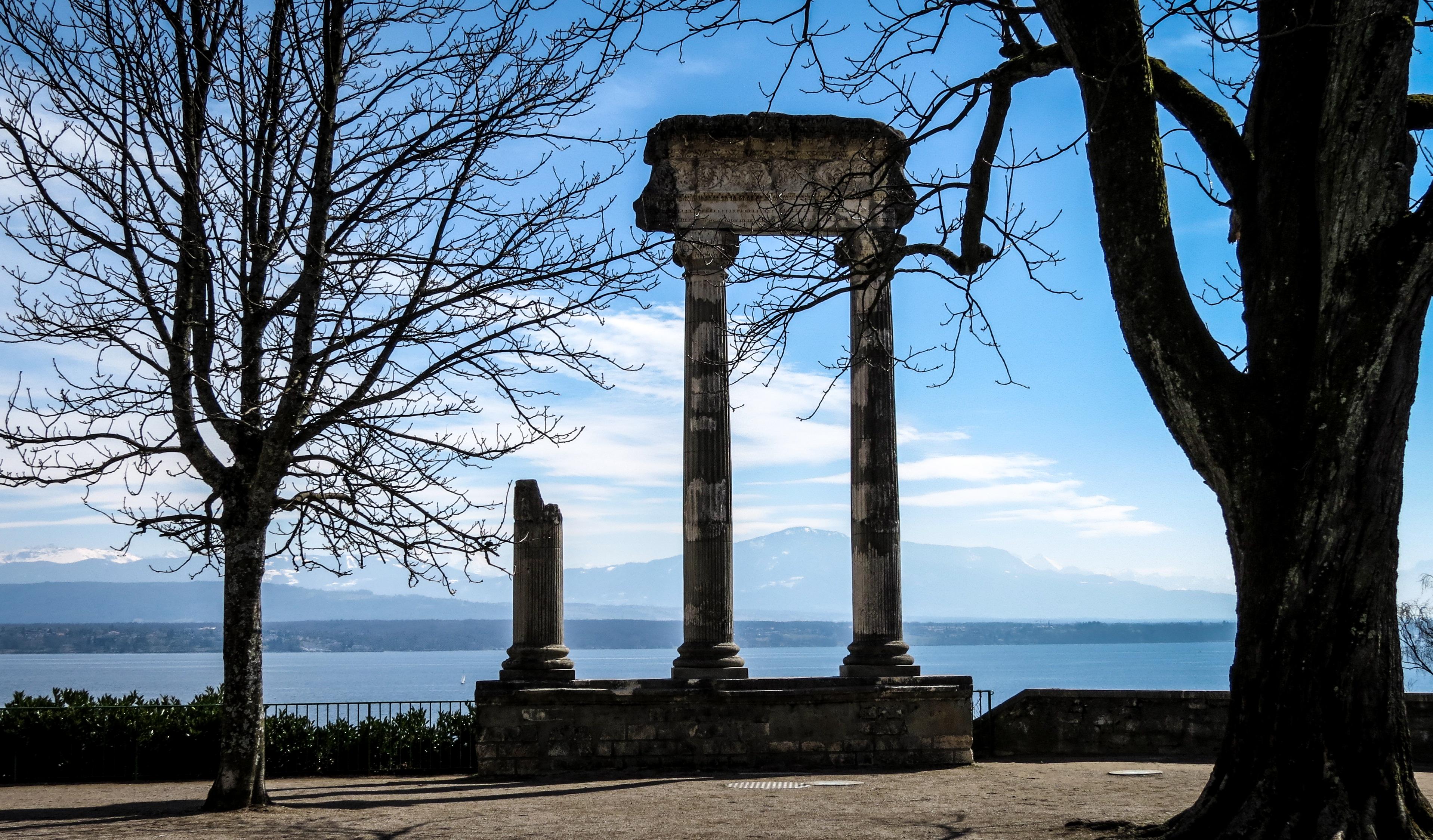Roman-Columns-Nyon